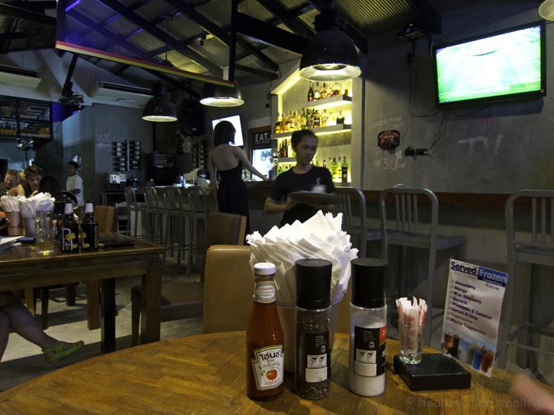 EAT-ravintola, Karon Beach, Phuket